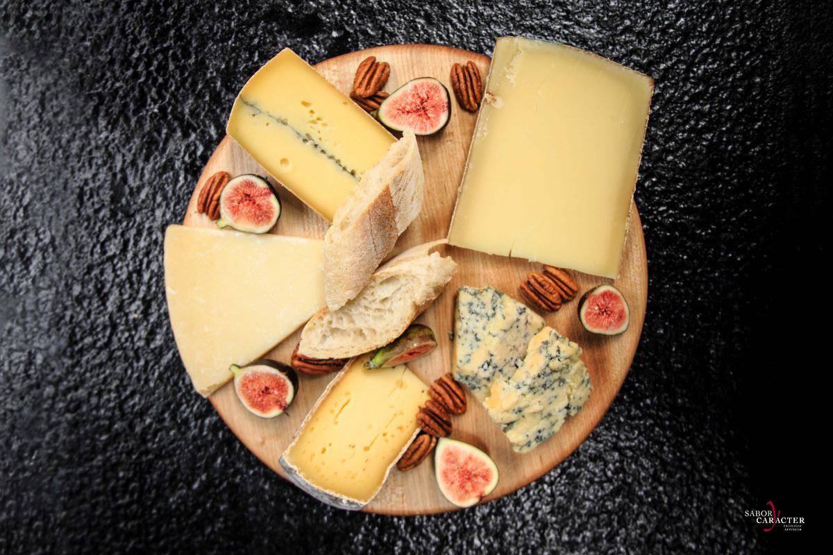 sabor-y-caracter-queso-gastronomia-gourmet-experiencias-sevicio-tabla-de-quesos